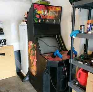 Area 51 / Maximum Force arcade cabinet London Ontario image 1