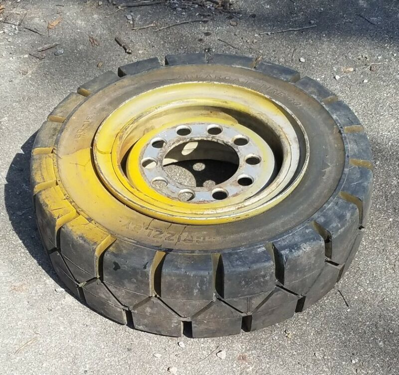 """7.50 x 15 x 5.5"""" Forklift Rubber Solid Tire - NEW Old Stock mounted on a rim"""