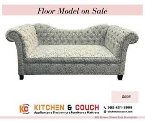 FLOOR MODEL SALE | ACCENT COUCH FOR SALE CANADA (KC2356)
