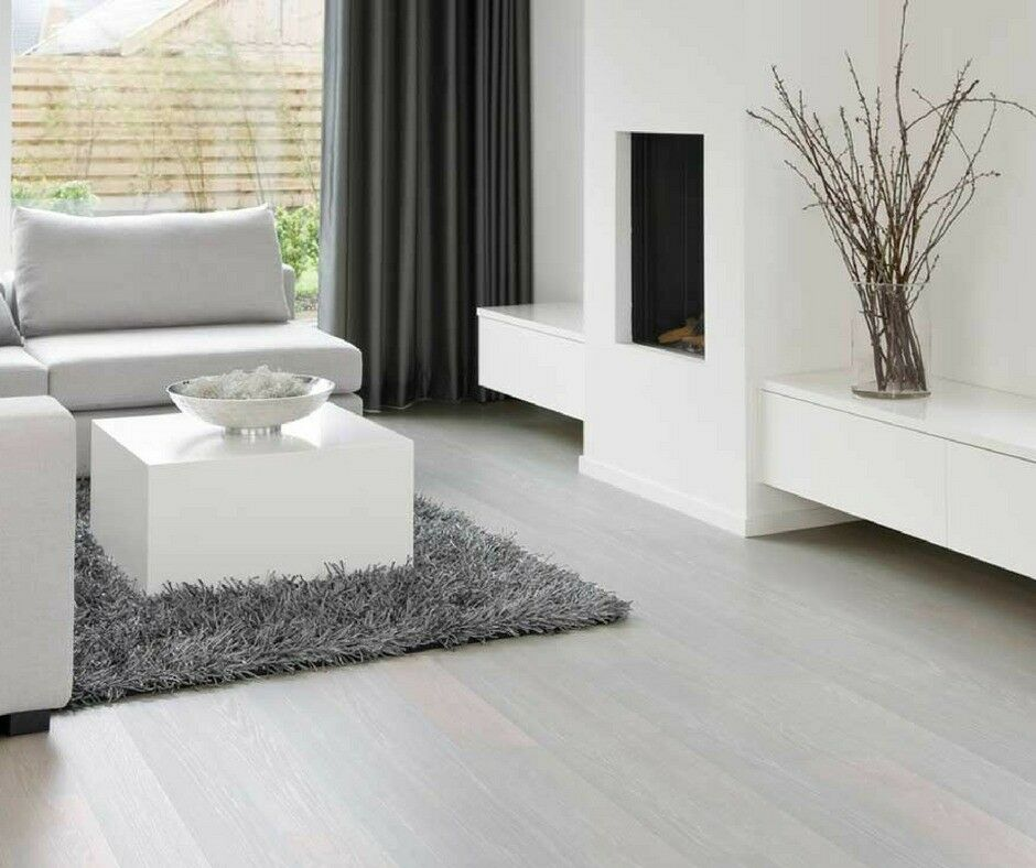 Brand New 5 X 4 Yd White Laminate Flooring With Free Underlay Beading