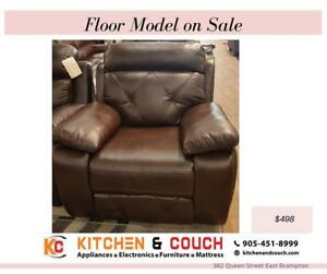 GREY LEATHER CHAIR | FLOOR MODEL FURNITURE (KC2372)