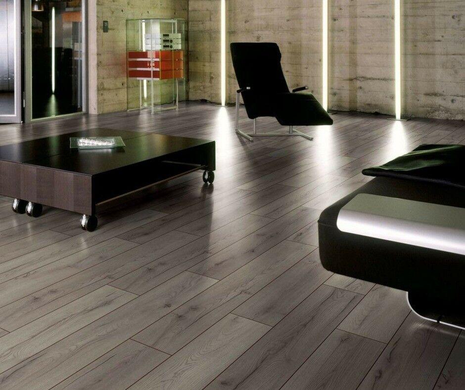 Brand New 5 x 4 yd Grey Click Laminate Flooring With Free Underlay ...
