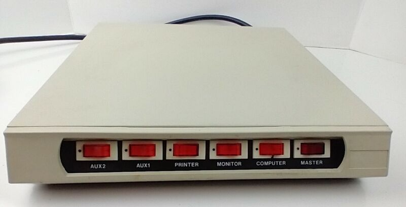 Vintage Switched Computer Power Controller 5 Switched Terminals w/Master Switch
