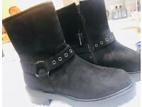 NEW LOOK Black Suede Buckle Detail Boots