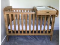 Lovely Oak 'Sherwood' Cot & Cot-Top Changer from Mamas & Papas