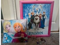 Frozen Picture, Cushion and figures