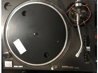 2 X Technics SL1210 MK2 - Bargain price for quick sale!