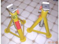 Pair of 3 tonne Axle Stands / Brand New / Halfords