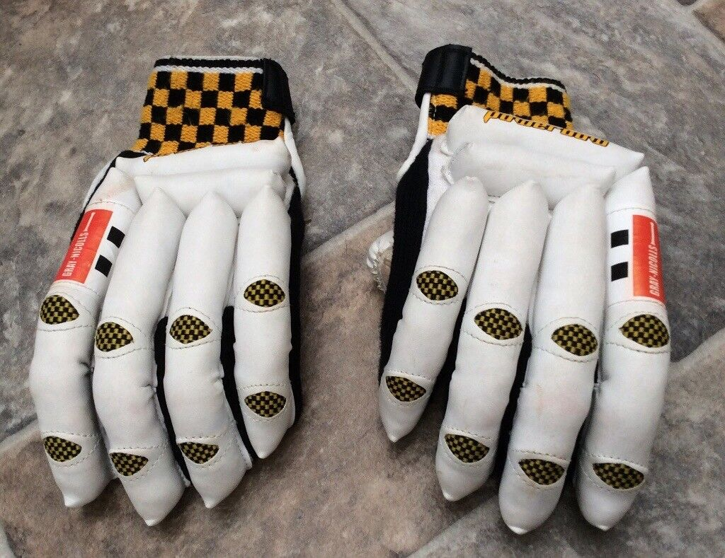 Crickets Gloves