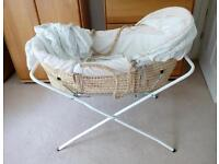 Mosses Basket With Stand And Bedding