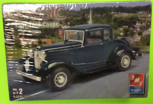 Model réduit CLASSIC - 1932 FORD COUPE  (SEALED)