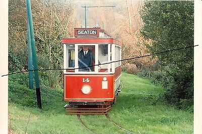TRAM PHOTO PHOTOGRAPH OF A SEATON SALOON CAR LOOKING LOST ON A PICTURE,DEVON.