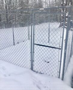 Chain link Dog Kennel (MOVING must go)