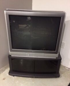 32' toshiba TV stand included
