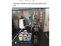 expresso machine with cups and pods