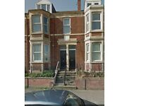 Sunderland Road,Gateshead. 2 Bed Immaculate Lower Flat .No Bond! DSS Welcome!
