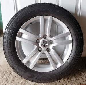 4 mags Toyota pneus d'été/summer (205-60-16)