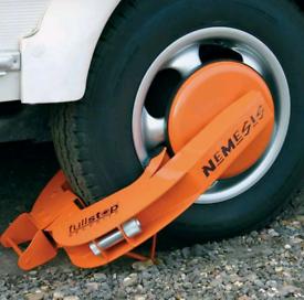 Purple line wheel clamp