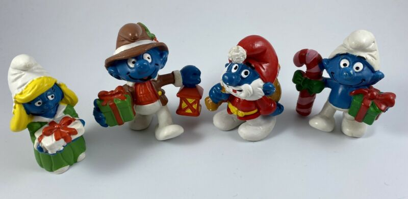 Vintage Lot Of Four Chirstmas Smurf PVC Figures Peyo Schliech