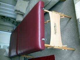 FOLDING PORTABLE MASSAGE COUCH AND CARRY BAG