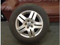 VW GOLF MK4 BORA 15INS 15 INS ALLOY WHEEL WITH TYRE 7MM TRED 195/65/15