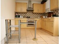 Spacious 2 bedroom flat in Goodmayes part dss with guarantor accepted