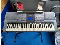 Yamaha PSR 295 keyboard with stand and ritter carry case