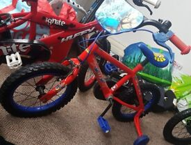 childrens spider man bike with stabilisers