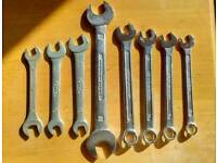 Metric spanners lot