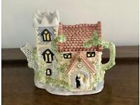 Leonardo The Church Wedding decorative ceramic teapot. Just Married