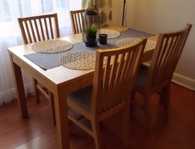 Extendable dining table + chairs (oak veneer)