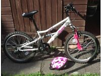 Girls Bike for age 6 - 9 years ( helmet included), very good condition.