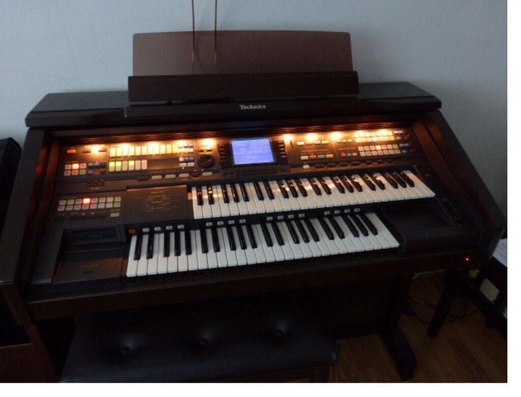 Technics GA3 organ and 7 extra discs