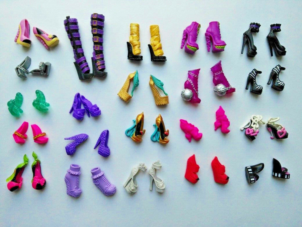 Monster High Schuhe Shoes Basics Cleo Lagoona Nefera Cupid Ghoulia Clawdeen