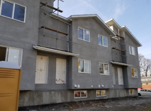 NEW 4 & 5 Bedroom Town Homes Available at 406 Redwood Avenue