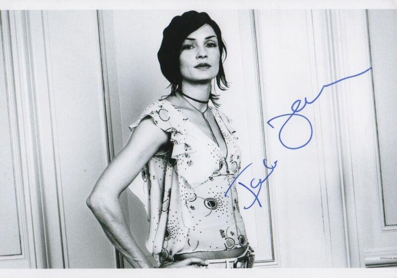 Famke Janssen Autogramm signed 20x30 cm Bild s/w