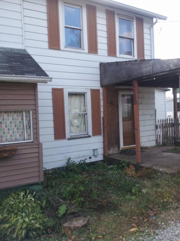 2 Bedroom 1 Bath Home- Pittsburgh PA Metro Area  - $3,999.00
