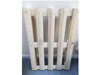Wooden pallets x4