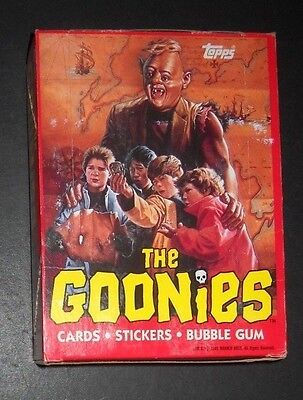 1985 GOONIES WAX BOX (36 CARD PACKS) TOPPS  *NO BLACK LINE*  (only 2 boxes left)