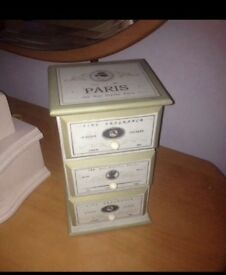 Shabby chic storage box