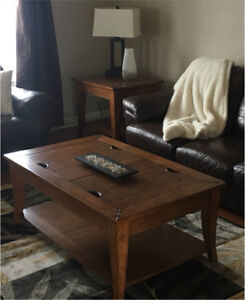 Coffee table and matching end table x 1