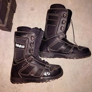 Mint Condition ThirtyTwo Men's Snowboard Boots - Size 13