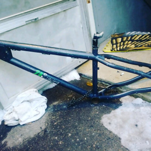 243 raceing frame
