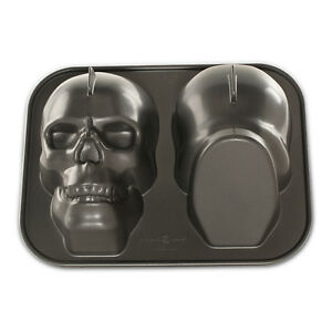 Nordic Ware Haunted Skull Pan