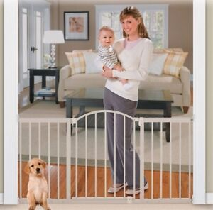 Baby gate - Metal, expandable up to 6'