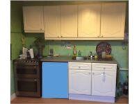 White Kitchen Units inc Sink - FREE