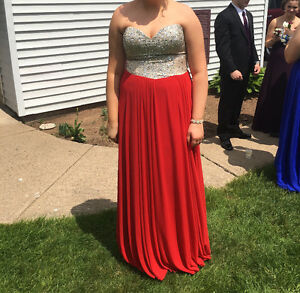 Size 12-16 Red corset prom dress!