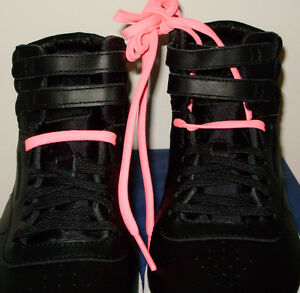 REEBOK  HI MINI BLACK & WHITE WITH 2 PAIRS OF LACES PINK & BLACK West Island Greater Montréal image 7