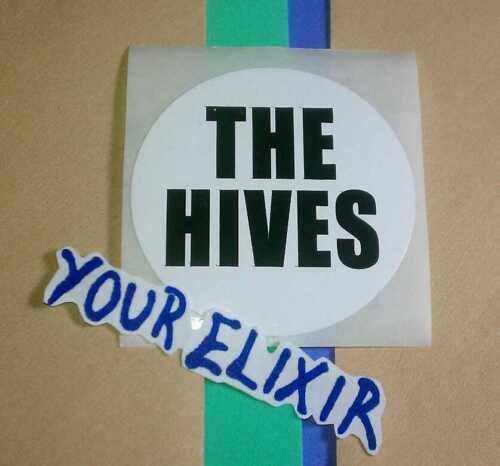 THE HIVES VENI VIDI VICIOUS BLACK WRITING PHONE CASE BOARD SMALL ROUND STICKER