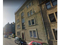 Very spacious 1 bedroom STUDENT FLAT on Cleghorn St-Sept 18' entry